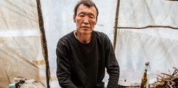 """Policjanci znaleźli Koreańczyka pod Krakowem. """"Żyję w lesie, bo chcę"""""""