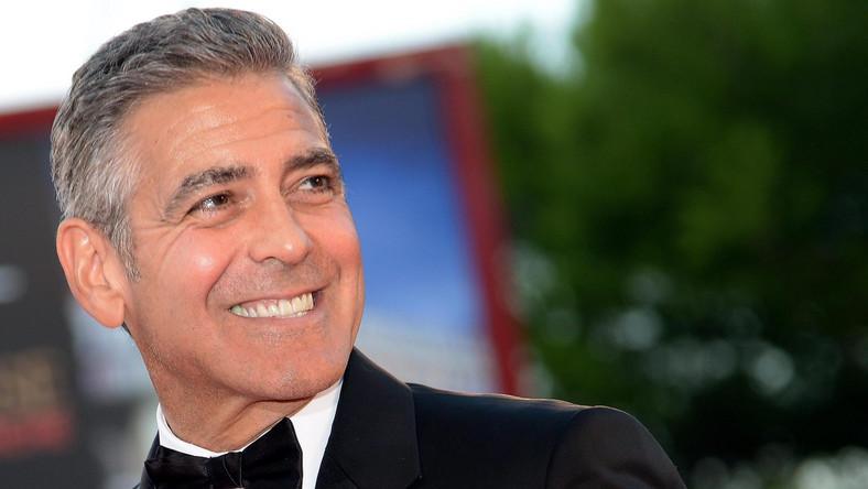 Nową ukochaną George'a Clooneya jest 36-letnia brytyjska prawniczka, specjalizująca się w prawie międzynarodowym i obronie praw człowieka. Po raz pierwszy zostali razem sfotografowani w październiku w Londynie