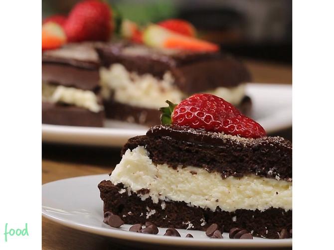 Čokoladna torta sa kokosom: Zalogaji tako savršeni da će vam podići raspoloženje za tren!