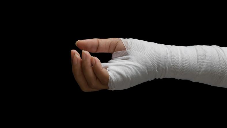 Obandażowana ręka