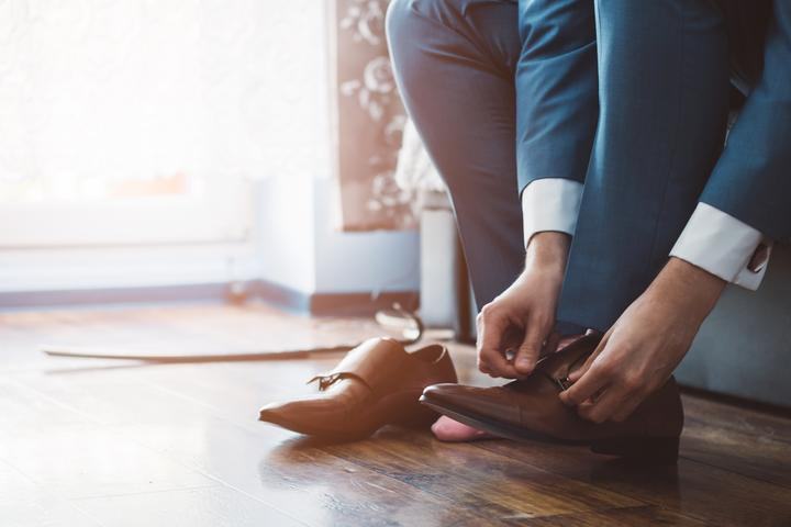 Jak dopasować buty do garnituru?