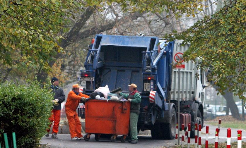 Śmieciarka w Warszawie