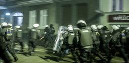 Chuligani zaatakowali policję. FILM