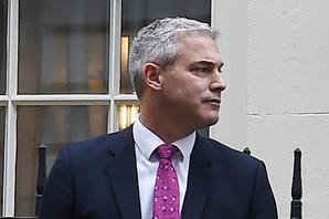 """KO JE STIVEN BERKLI? Britanski mediji za novog ministra za Bregzit tvrde da je """"SUPER LOJALISTA"""""""