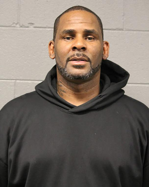 R.Kelly gets bail after coming up with $100k bond