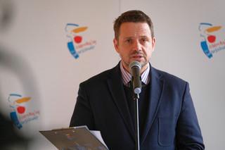 Trzaskowski: Parkowanie w stolicy nadal płatne, komunikacja miejska bez zmian