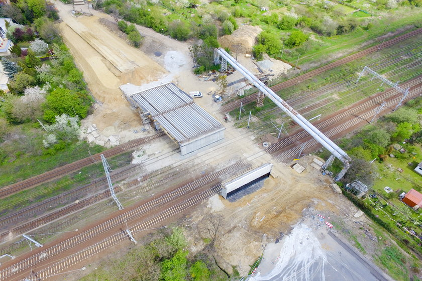 Rośnie wiadukt na Chociebuskiej
