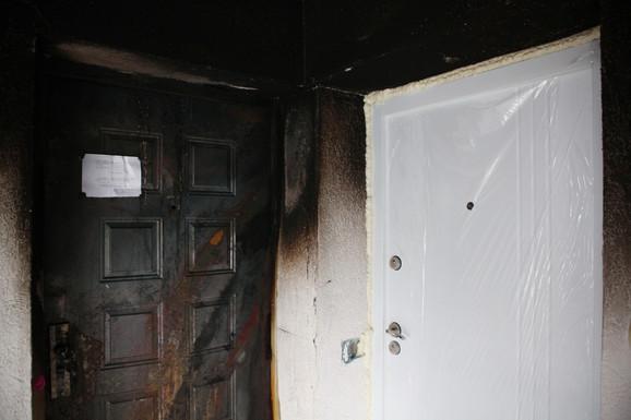 Vrata stana u kojem je Nebojša živeo