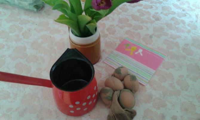 Farbanje u lukovini je ritula svake godine i za njega se koristi samo jedno lonče za kafu