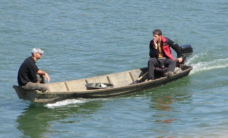 Gradiska ribari ispod mosta