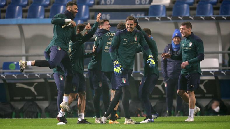 Piłkarze reprezentacji Włoch podczas treningu kadry w Reggio Emilia