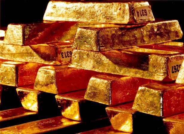 Obrót sztabkami złota, czy złotymi monetami kolekcjonerskimi podlega opodatkowaniu. Powstanie obowiązku podatkowego zależy od tego, jaki charakter mają dokonywane transakcje.