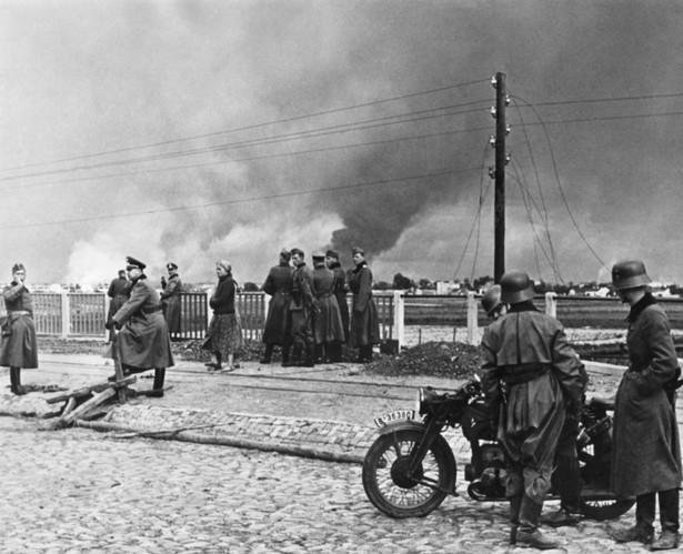 Warszawa podczas bombardowania w 1939 r.
