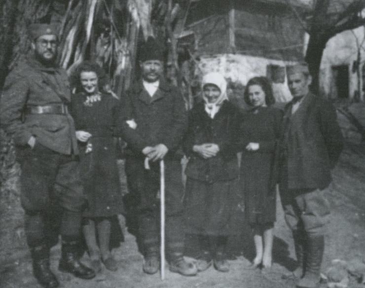 Dušan Mičić, Magda Fenje, domaćini u selu u kom su se krili, Ilonka i Josip Fenje 1943.