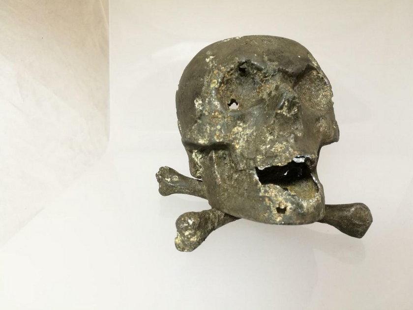 Ozdobna czaszka na biurko
