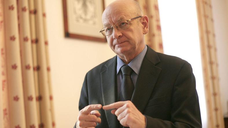 Zdaniem rzecznika praw obywatelskich Janusza Kochanowskiego pobieranie opłat od pacjentek w publicznych szpitalach jest niezgodne z prawem