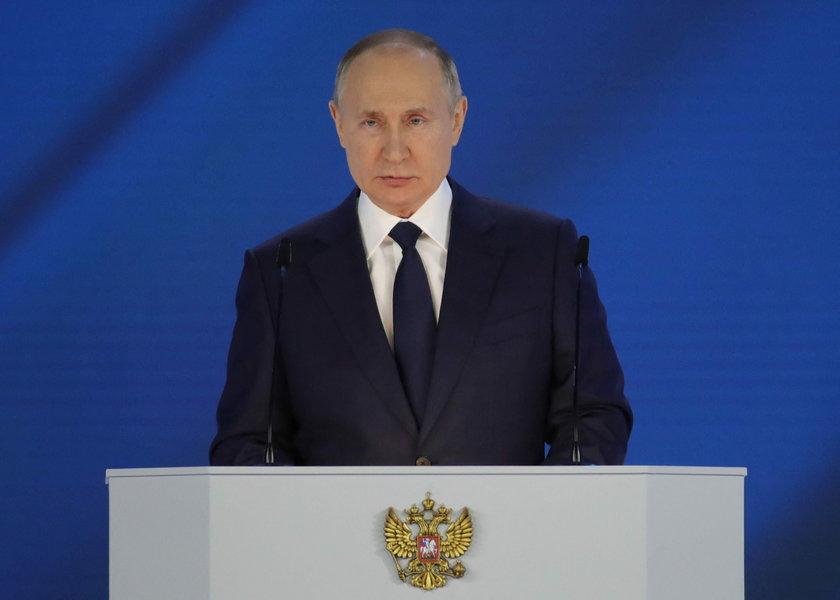 Putin rozgrywa Zachód według swojej woli