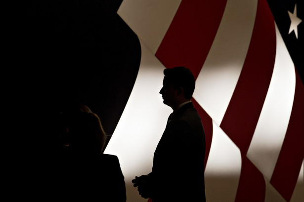 Pracownik ochrony przed trzecią debatą prezydencką w Las Vegas w stanie Nevada, USA, 19.10.2016