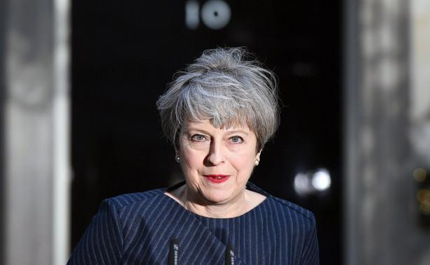 May ogłosiła we wtorek wolę rozpisania przedterminowych wyborów parlamentarnych, które miałyby się odbyć 8 czerwca. Głosowanie w tej sprawie odbędzie się w Izbie Gmin w środę po południu.
