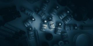Skąd biorą się zakrzepy po szczepionkach wektorowych przeciw COVID-19?