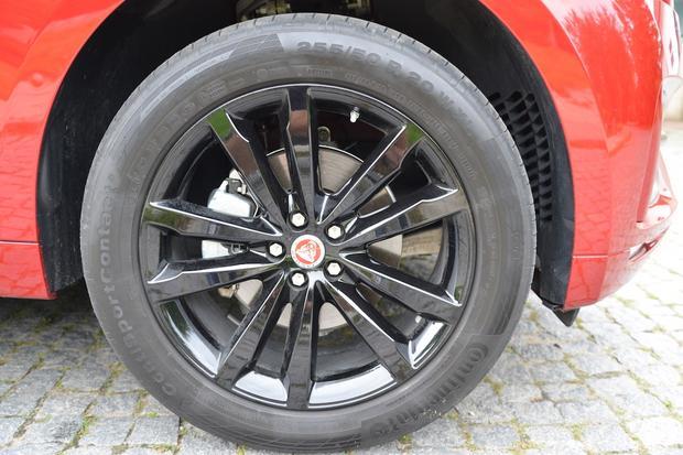 Jaguar F-Pace 25t R-Sport