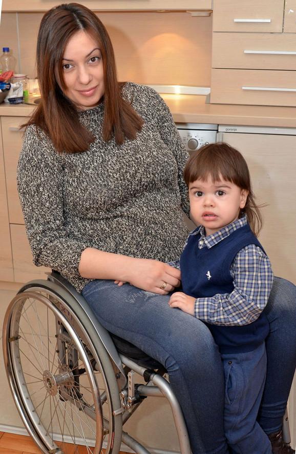 Nesalomiva: Dragana sa sinom Mihajlom