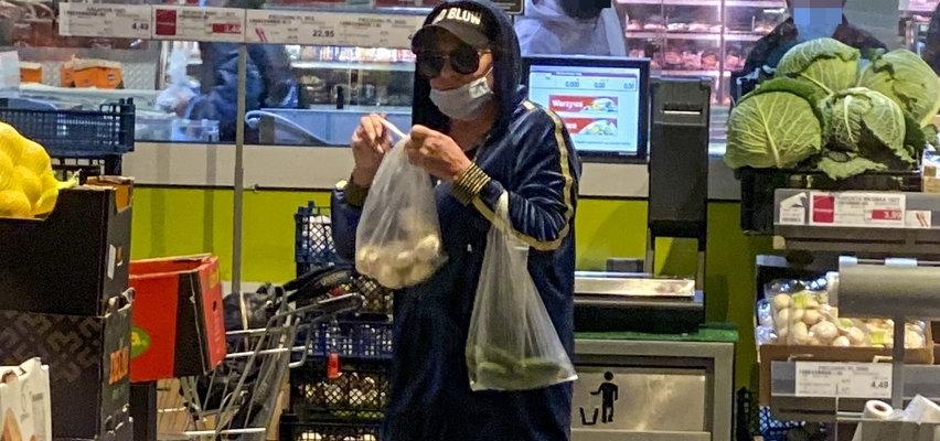 Co robi Beata Kozidrak? 2 km piechotą po zakupy, a w koszyku pieczarki, ogórki i...