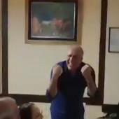 NEVEROVATAN SNIMAK SA SVADBE Željko Obradović u transu, zapevao ovo i cela Srbija o tome sada priča! /VIDEO/