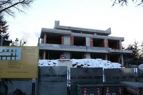 Poznati par podiže vilu od 1.000 kvadrata u Beogradu: Bazen, studio, prostrane prostorije...