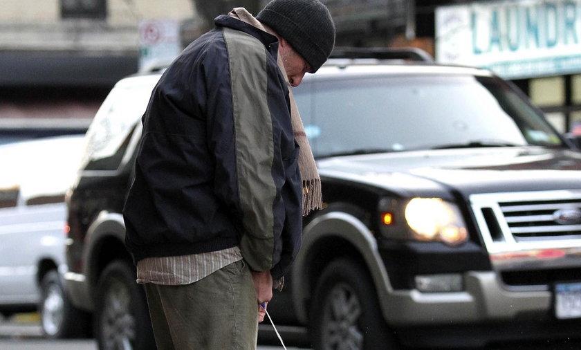 RICHARD GERE sika na ulicy