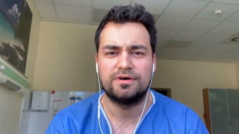 Lekarz Tomasz Karauda.