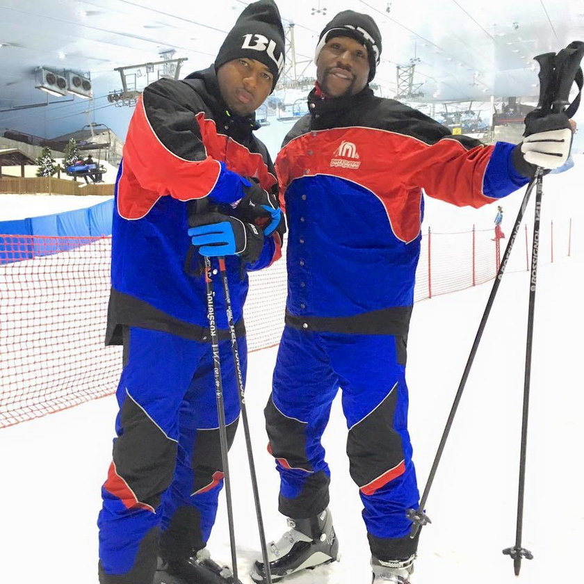 Bokser chwali się zdjęciem na stoku narciarskim w... Dubaju