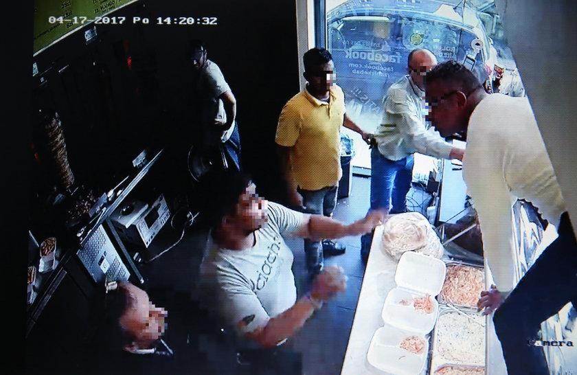Atak na pracownika baru z kebabem w Łodzi. Są areszty dla sprawców