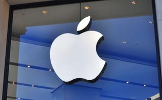 Bruksela i Londyn nadgryzają jabłko. Apple stosuje praktyki antykonkurencyjne?