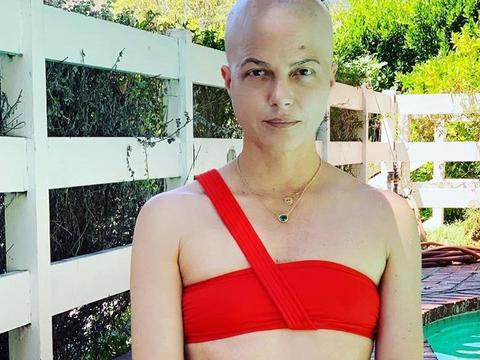 Selma Blair Posts Nude Diving Photo After MS Stem Cell