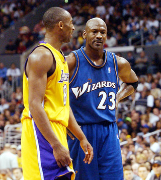 Bryant i Jordan w meczu Lakers - Wizards w 2003 roku