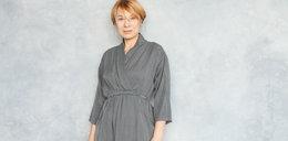 Klasyczne, a jednocześnie modne sukienki dla dojrzałych kobiet do 80 zł