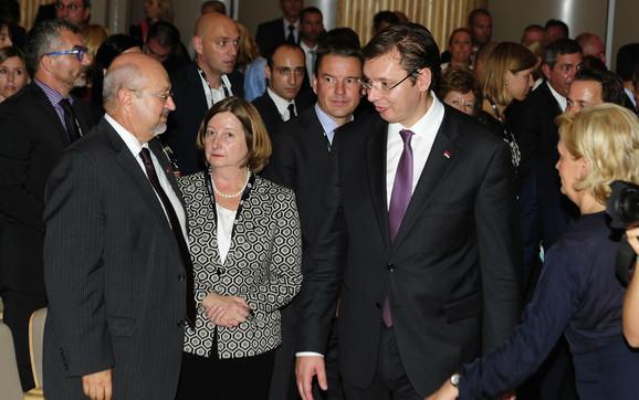 Premijer Vucić i generalni sekretar OEBS-a Lamberto Zanijer (levo)