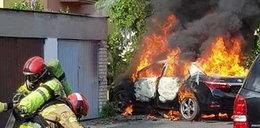 W Płocku spłonęło auto. W środku 5-letni chłopiec