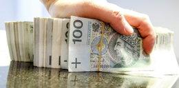 Obiecywali kredyty, a potem nakładali 2 tys. zł kary!