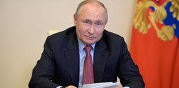 Putin zarządził tydzień wolny od pracy dla wszystkich. Zakłady produkcyjne i knajpy zamknięte, w szkołach ferie...
