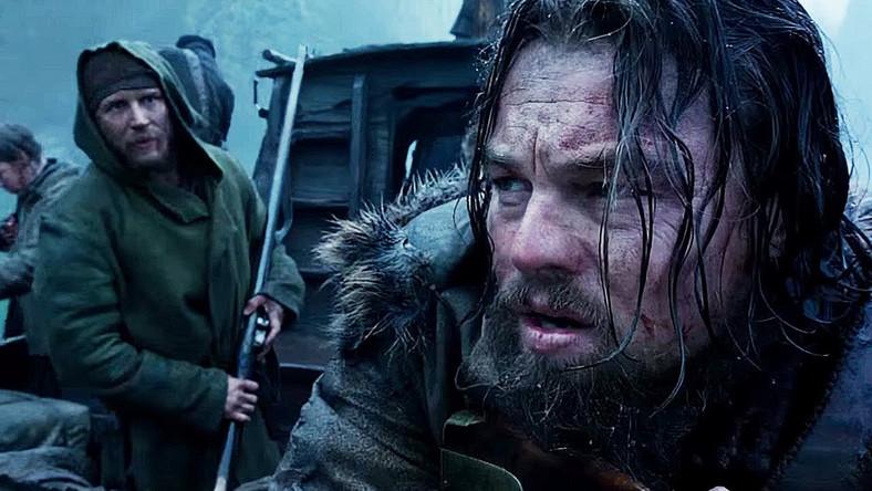 """Po wielkim sukcesie """"Birdmana"""", Alejandro Gonzáleza Inárritu nakręcił westernową historię dziewiętnastowiecznego trapera Hugh Glassa, która Leonardo DiCaprio ma w końcu przynieść Oscara. Choć – jak pisze Jakub Demiańczuk w recenzji dla """"DGP"""" –akurat w tym roku na nią nie zasłużył. –Oczywiście poniżej pewnego poziomu ten aktor nie zwykł schodzić, rola Hugh Glassa, trapera szukającego zemsty na mordercy syna, jest ofiarna, fizyczna, ale mimo wszystko daleka od tego, co pokazał choćby w """"Wilku z Wall Street"""" czy """"Django"""". CZYTAJ WIĘCEJ >>>"""