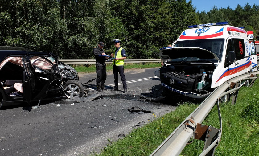 W wypadku karetki pogotowia na drodze wojewódzkiej nr 235 rannych zostało 5 osób