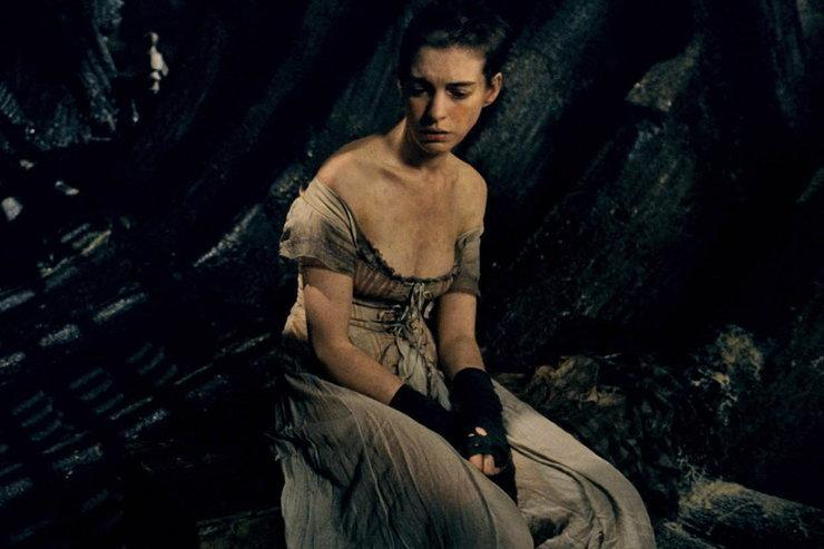 """Anne Hathaway w filmie """"Les Miserables Nędznicy"""""""