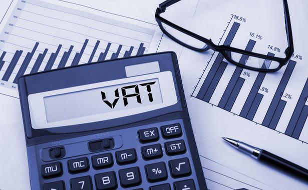 Skoro podatnik był zwolniony z VAT, to błędem było złożenie zarówno deklaracji VAT-7, jak i JPK_VAT