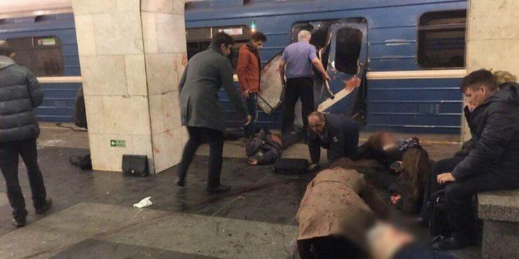 sankt peterburg metro foto Twitter Ruposters