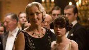 Felicity Jones w agencji ubezpieczeniowej Ricky'ego Gervaisa