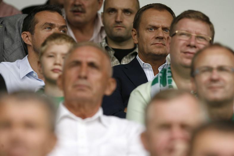Donald Tusk i Ryszard Milewski na meczu Lechii Gdańsk. 8 sierpnia 2010