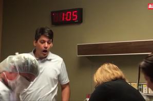 """""""TO BRE!"""" Urnebesna reakcija oca koji nakon tri ćerke saznaje da je DOBIO SINA (VIDEO)"""