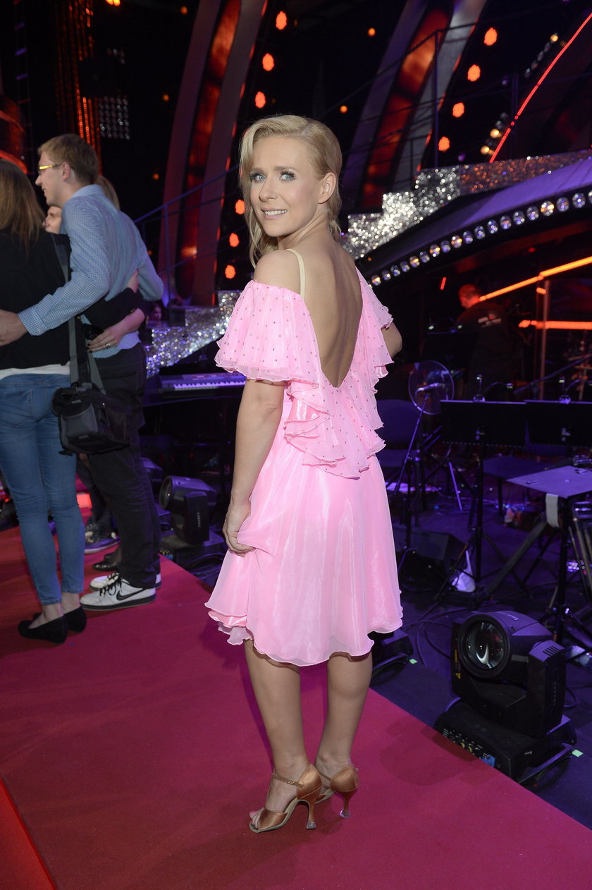 Aneta Zając w różowej sukience